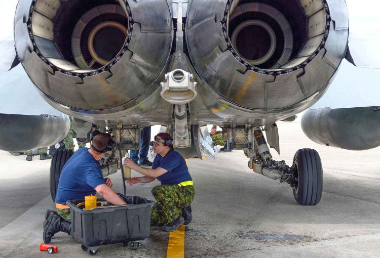 Aviation Systems Technician | Canadian Armed Forces