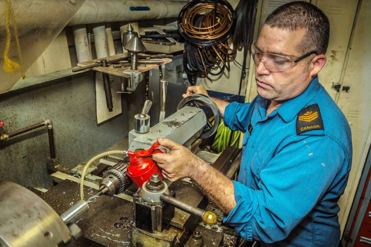 Marine Technician | Canadian Armed Forces
